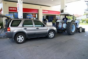 petrol_station_tractor_external